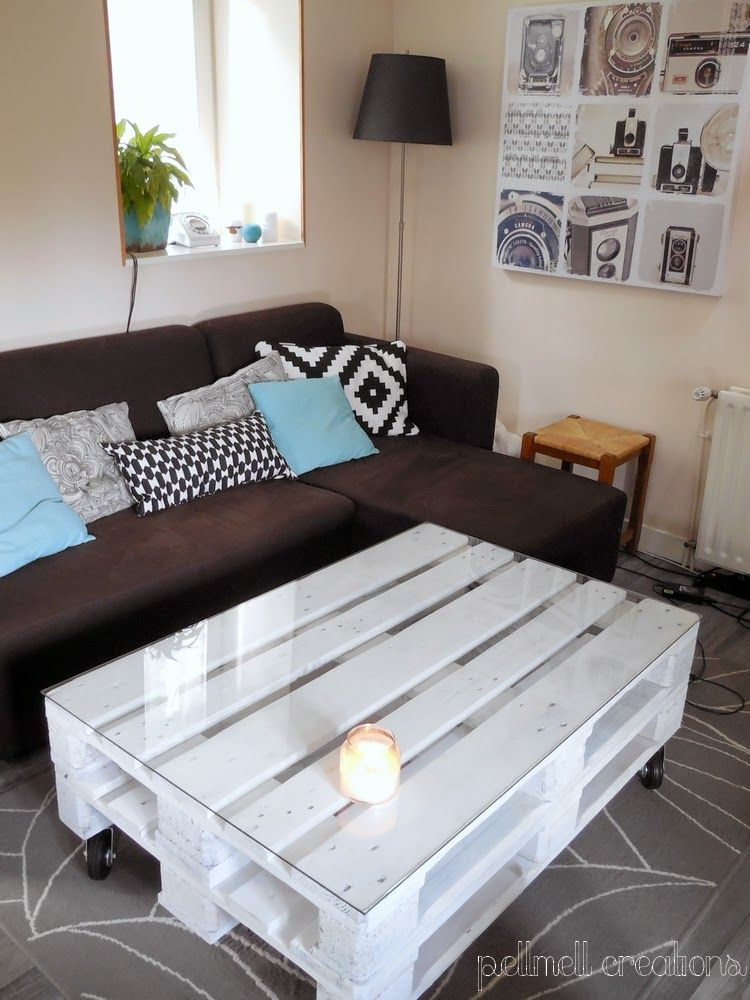notre nouvelle table basse en palettes astuces recup meuble table basse palette palette et. Black Bedroom Furniture Sets. Home Design Ideas