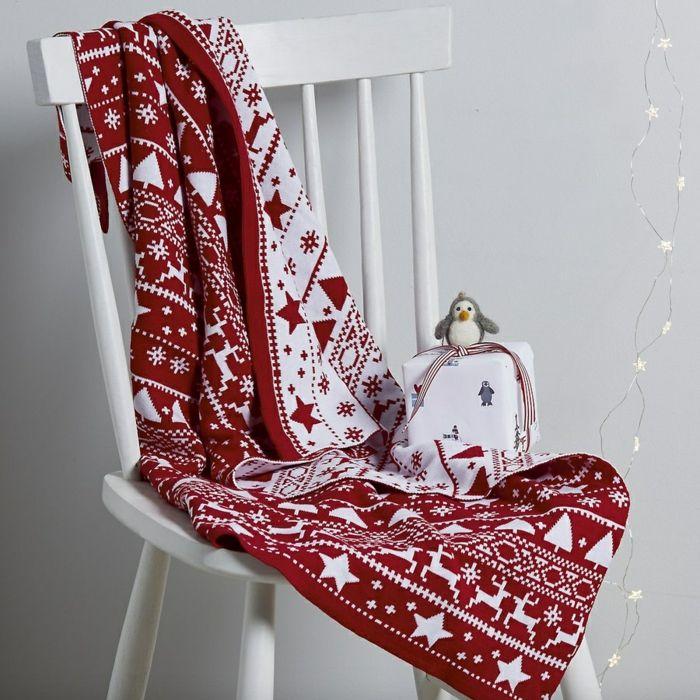 Idées Décoration De Noël Inspirations Pour Un Intérieur - Canapé convertible scandinave pour noël site déco chambre bébé