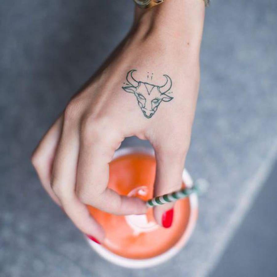 Tatouage Signe Astrologique Taureau Main Tatu Pinterest Tattoo