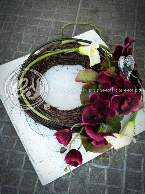 Wiazanki Pogrzebowe Szukaj W Google Flower Decorations Funeral Floral Funeral Flowers