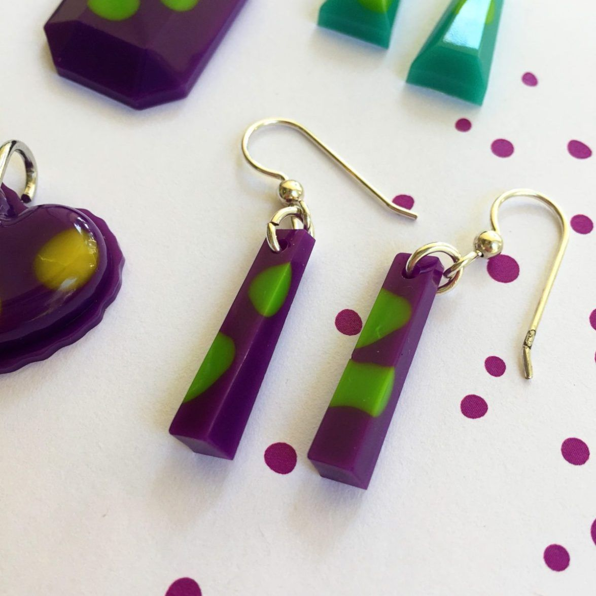 Easy diy resin jewelry simple beginner project resin