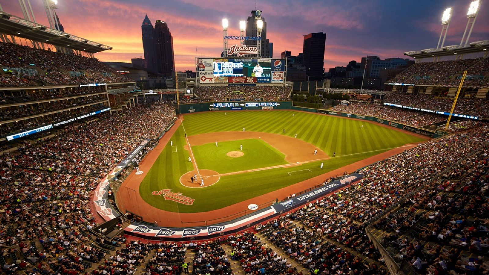 Being A Fan Of An Underdog Sports Team Baseball Stadium Lawn Care Tips Field