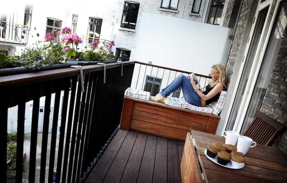 siddeplads på altanen
