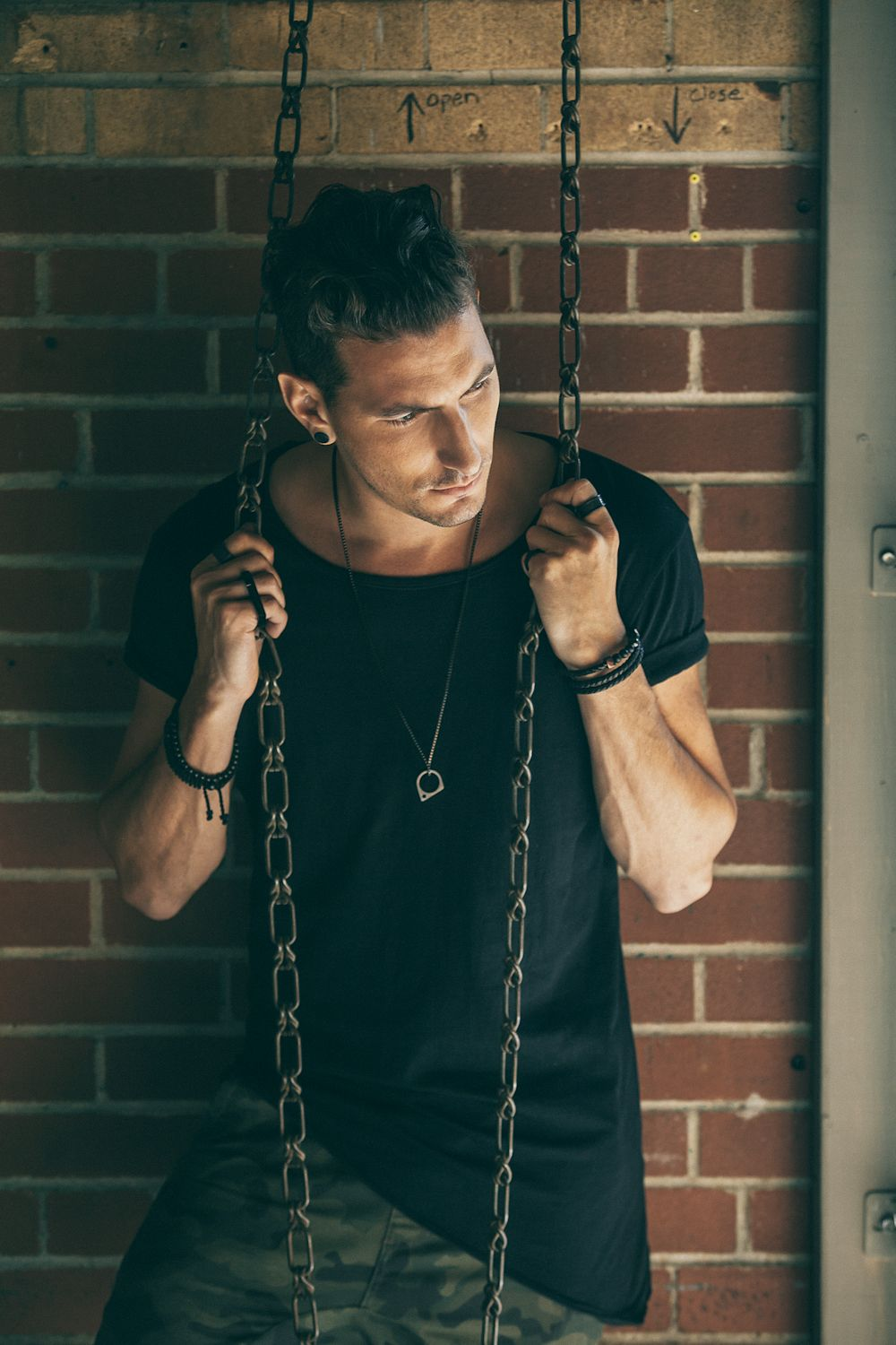 Style up your wardrobe with trendy necklaces from Vitaly