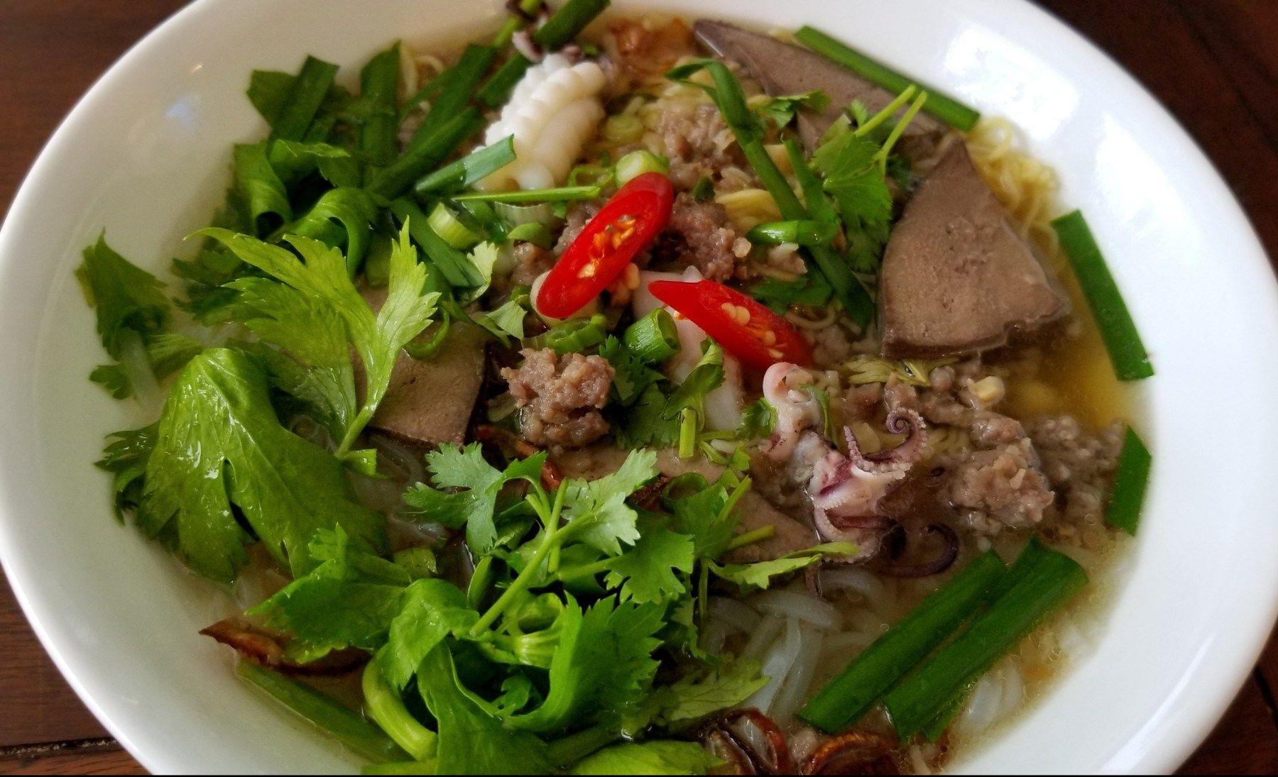 Hủ Tiếu Mì Instant Pot (Vietnamese Pork and Seafood Noodle