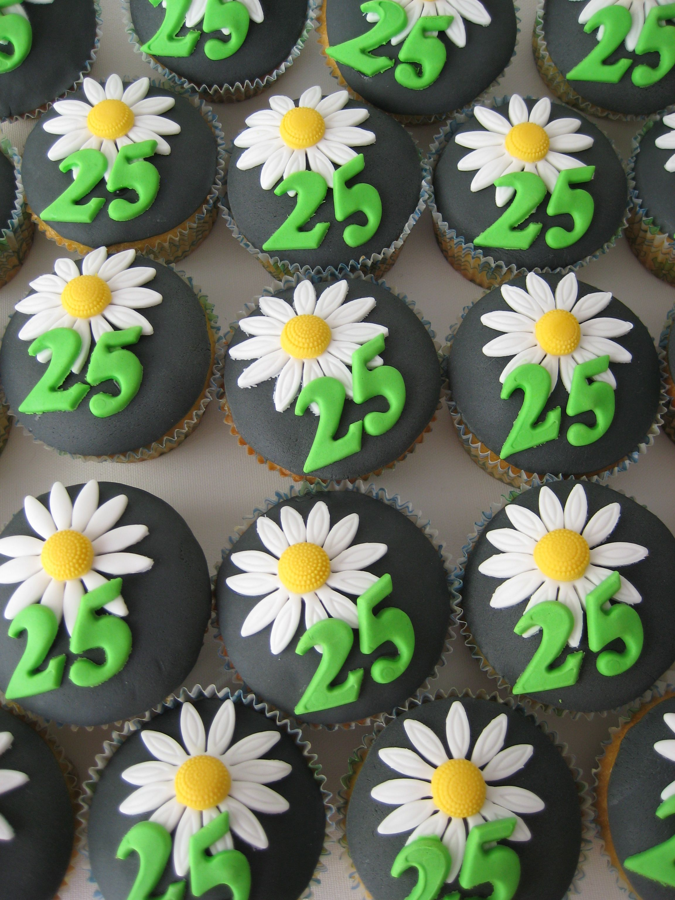 Flower cupcakes cupcakes pinterest flower cupcakes cake and