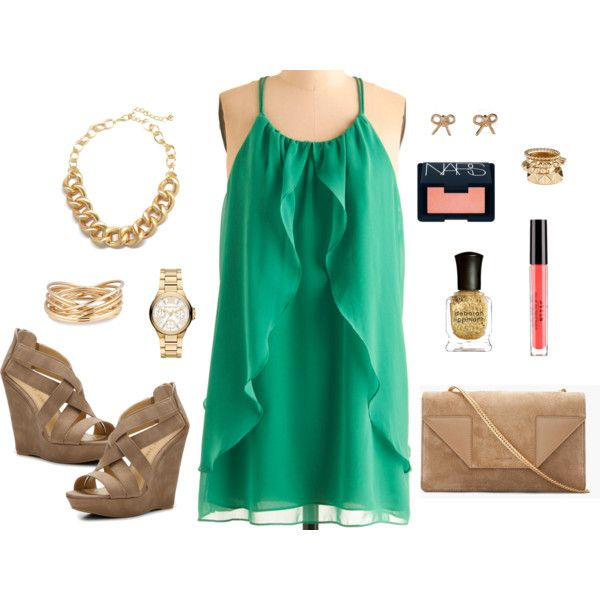 Green and gold outfit. Except with cowboy boots. Obviously.