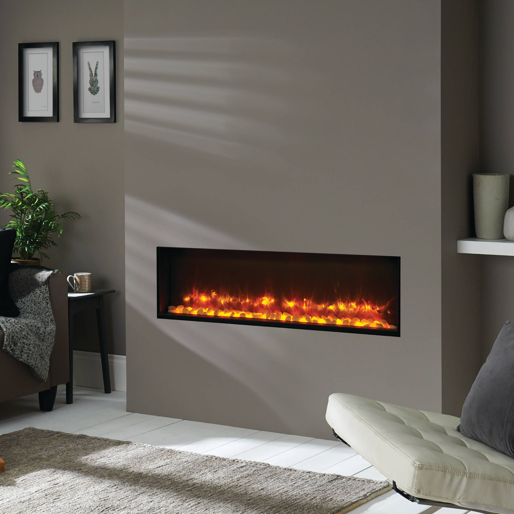 Gazco Radiance Inset 105R fire is a contemporary design suitable for any room in the house, creating the ultimate centrepiece. Bell: EST 1898.