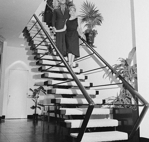 Joan Crawford Fifth Avenue Apt Joan Crawford Joan Stairway To Heaven