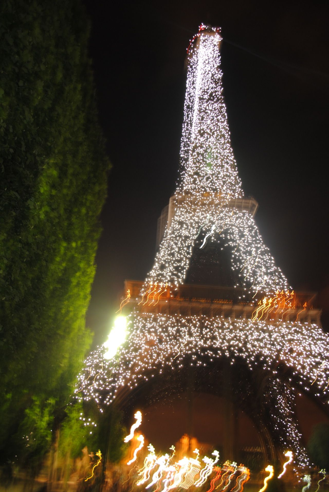 At 10 pm the eiffel tower light show begins, and it is easily the ...
