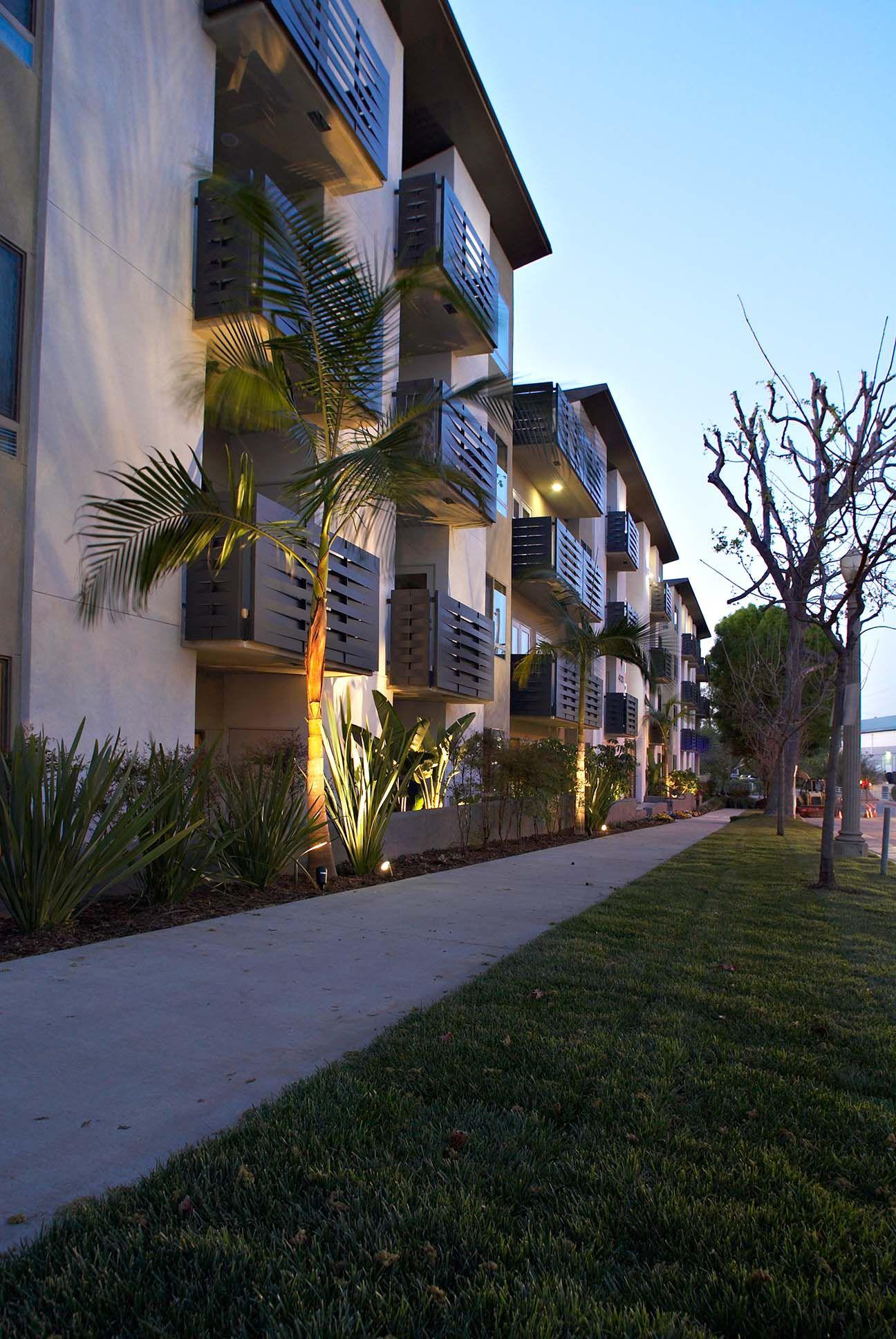 Bok Modern Balcony Railings California Apartment Studio City Apartment Cool Apartments