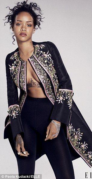 Rihanna si spoglia per Elle e Esquire   Gossip - Rumors - Scoop - News -