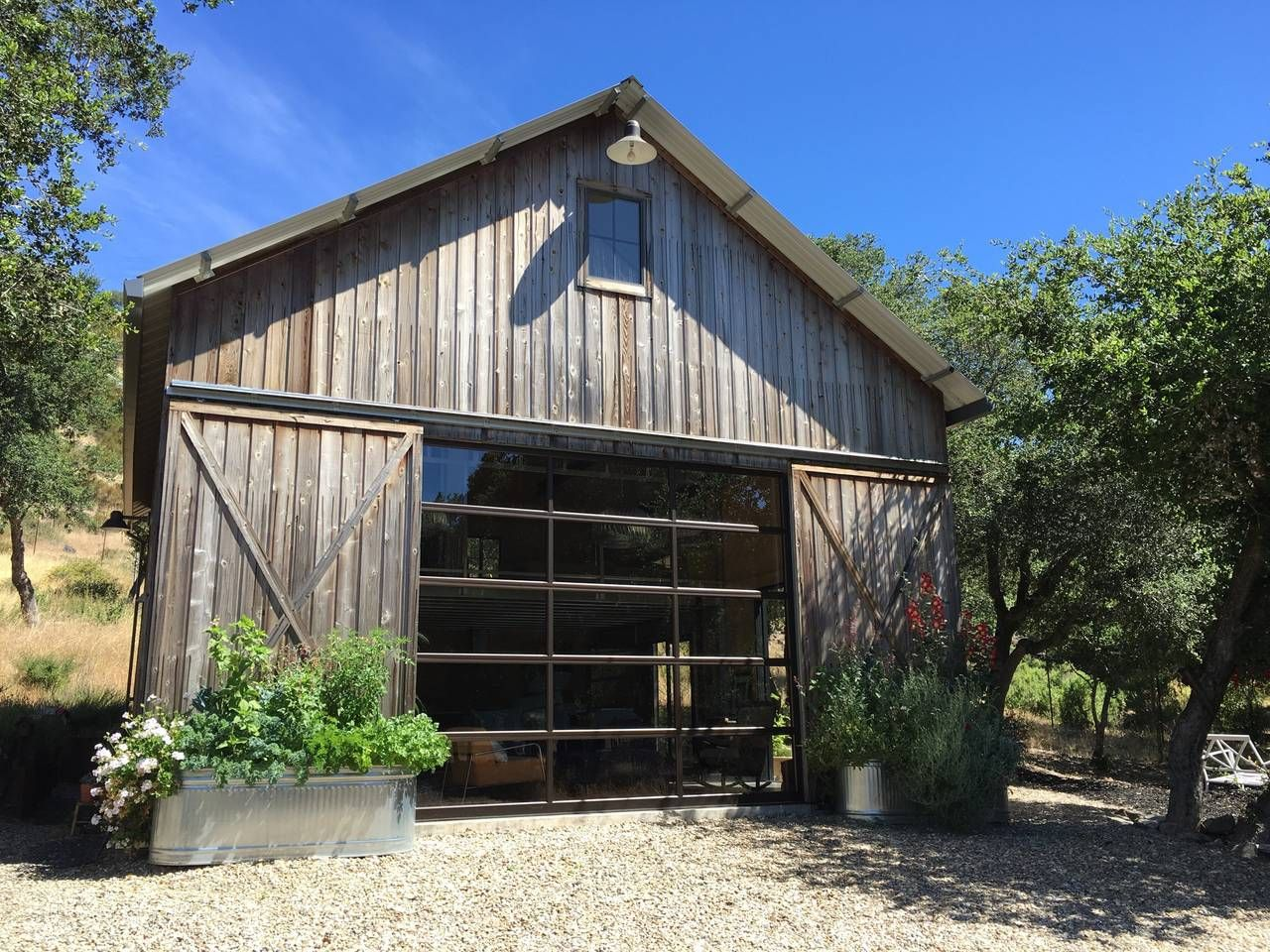 Modern Barn Guest House Houses For Rent In Napa