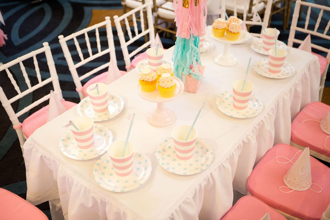 The lovely kids table, chairs, and mini ruffled tablecloth by Little Wishes Parties. Source: Sweet Style
