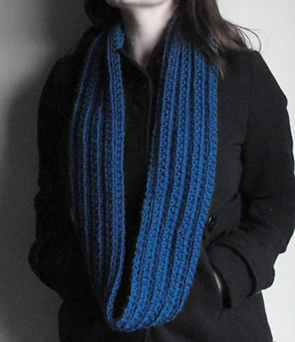 Ravelry Gifty Cowlinfinity Scarf Pattern By Triona Murphy