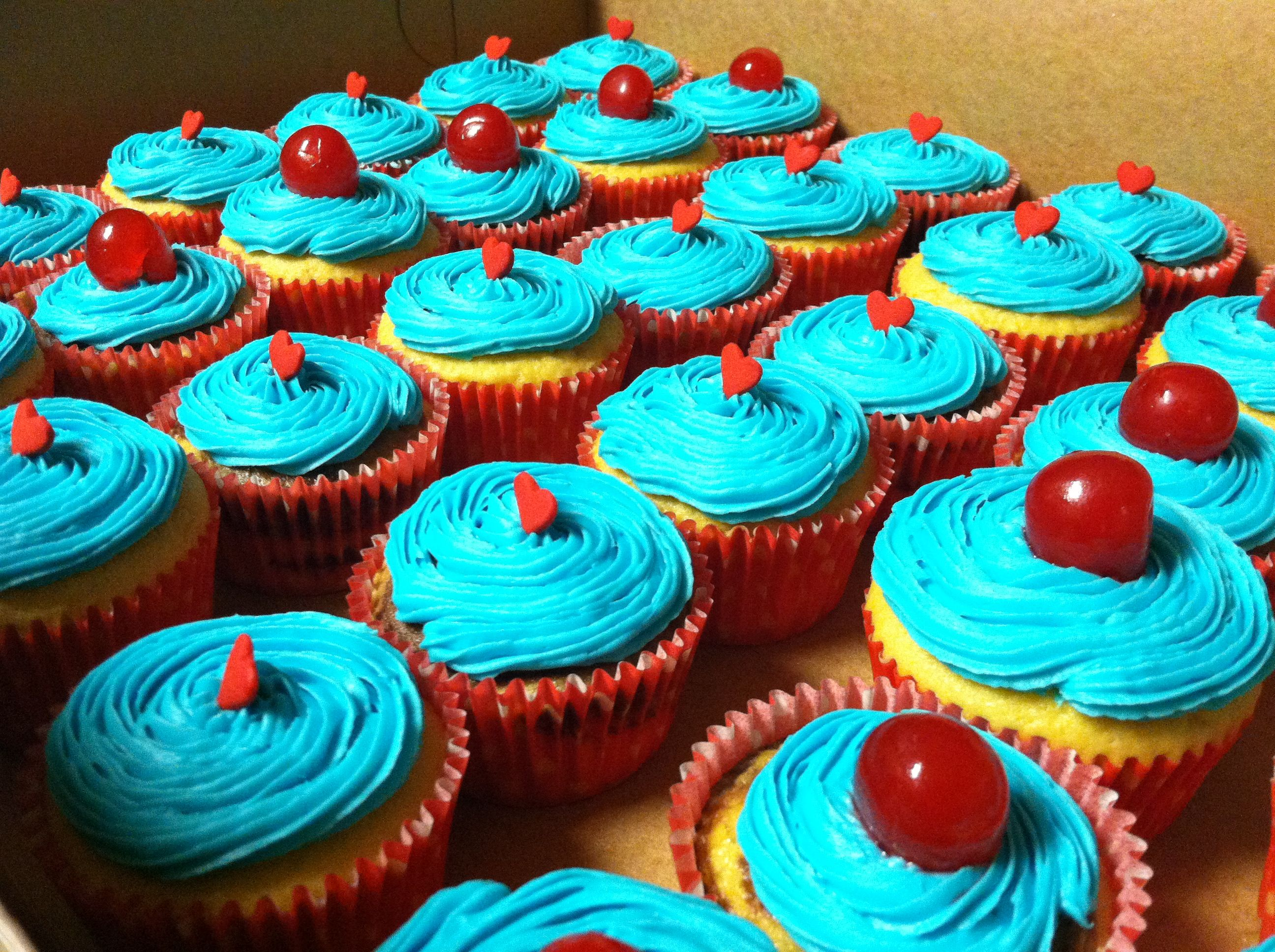 Chic Cupcakes: Hearts and Cherries