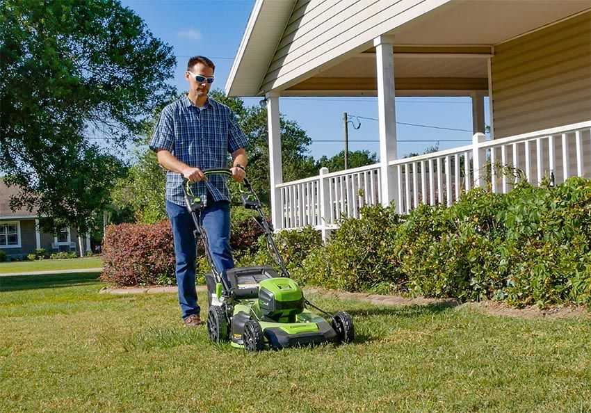 Greenworks Pro 60V SelfPropelled Lawn Mower Review Lawn
