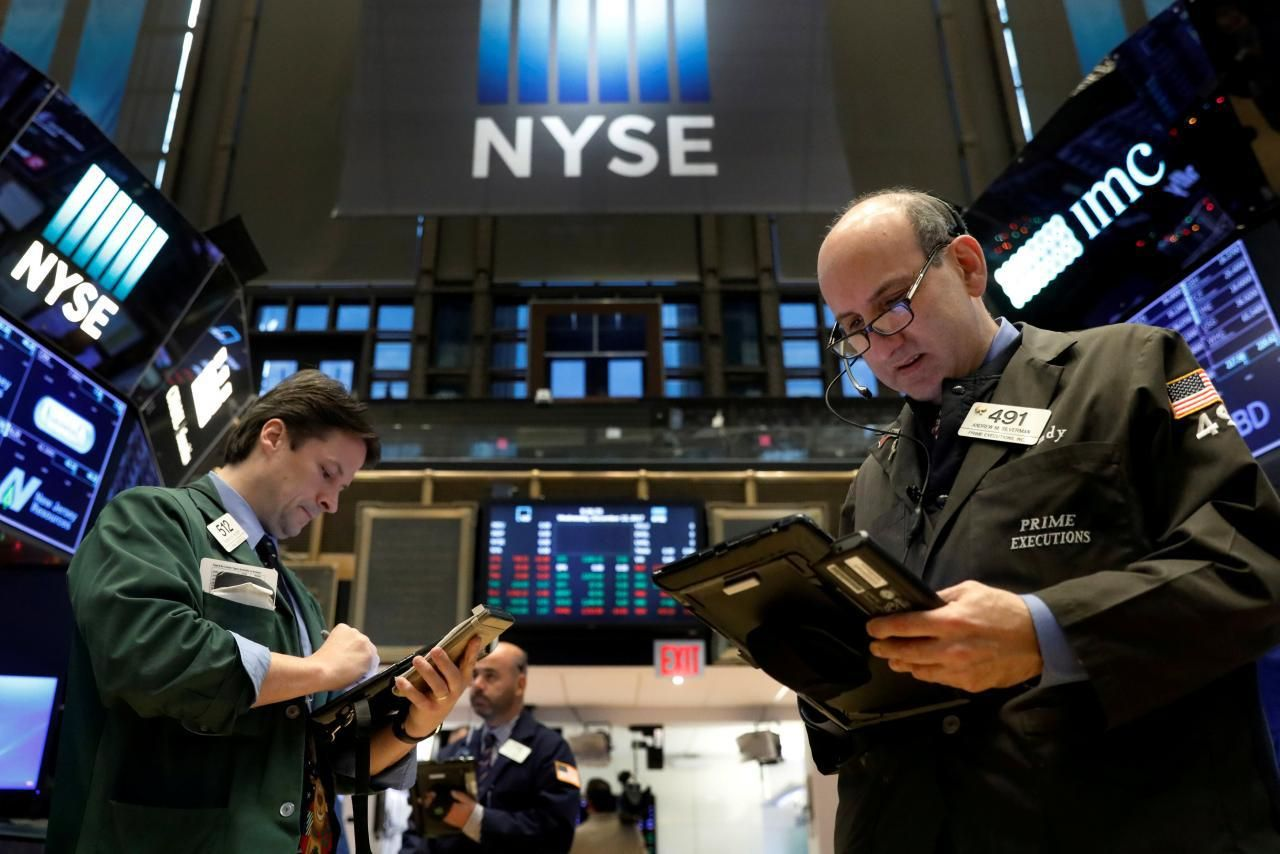 Time to invest in tech? Stock market, Online trading