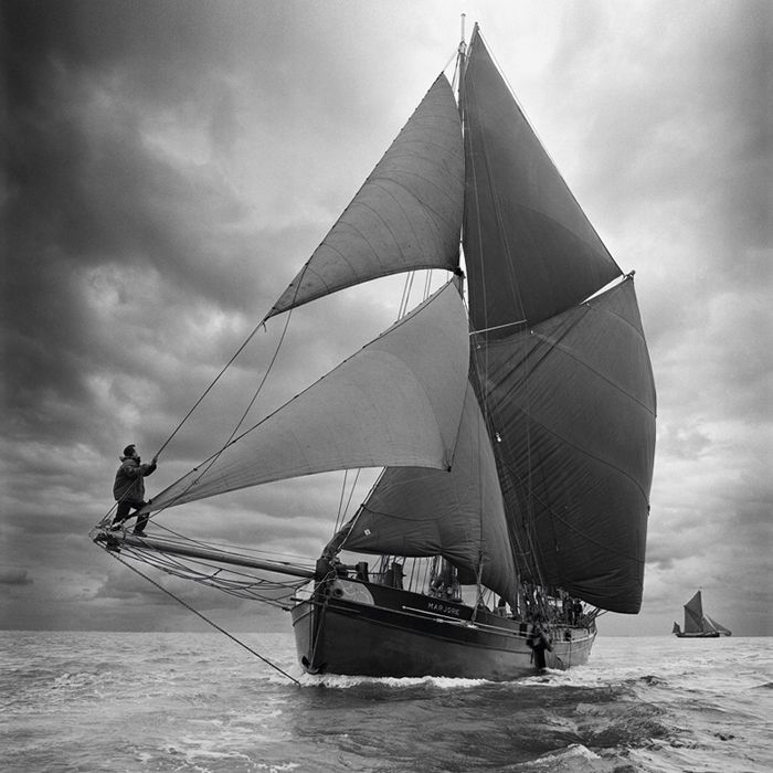 Old sail boat in black and white   Sailing ships, Sailing ...