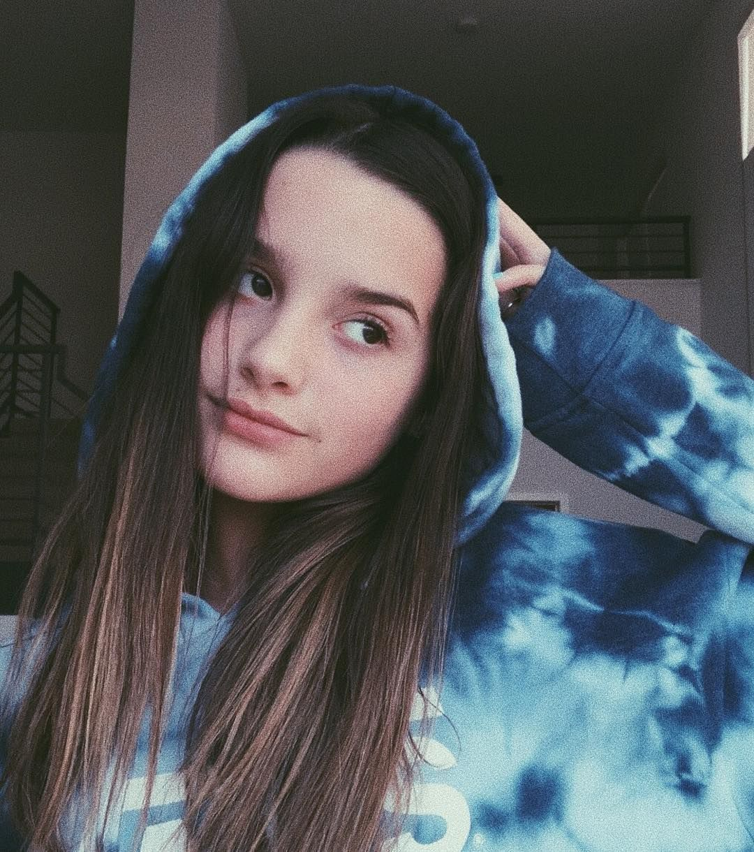 "Citaten Annie Instagram : Annie leblanc on instagram "" quot dont trust everything you"
