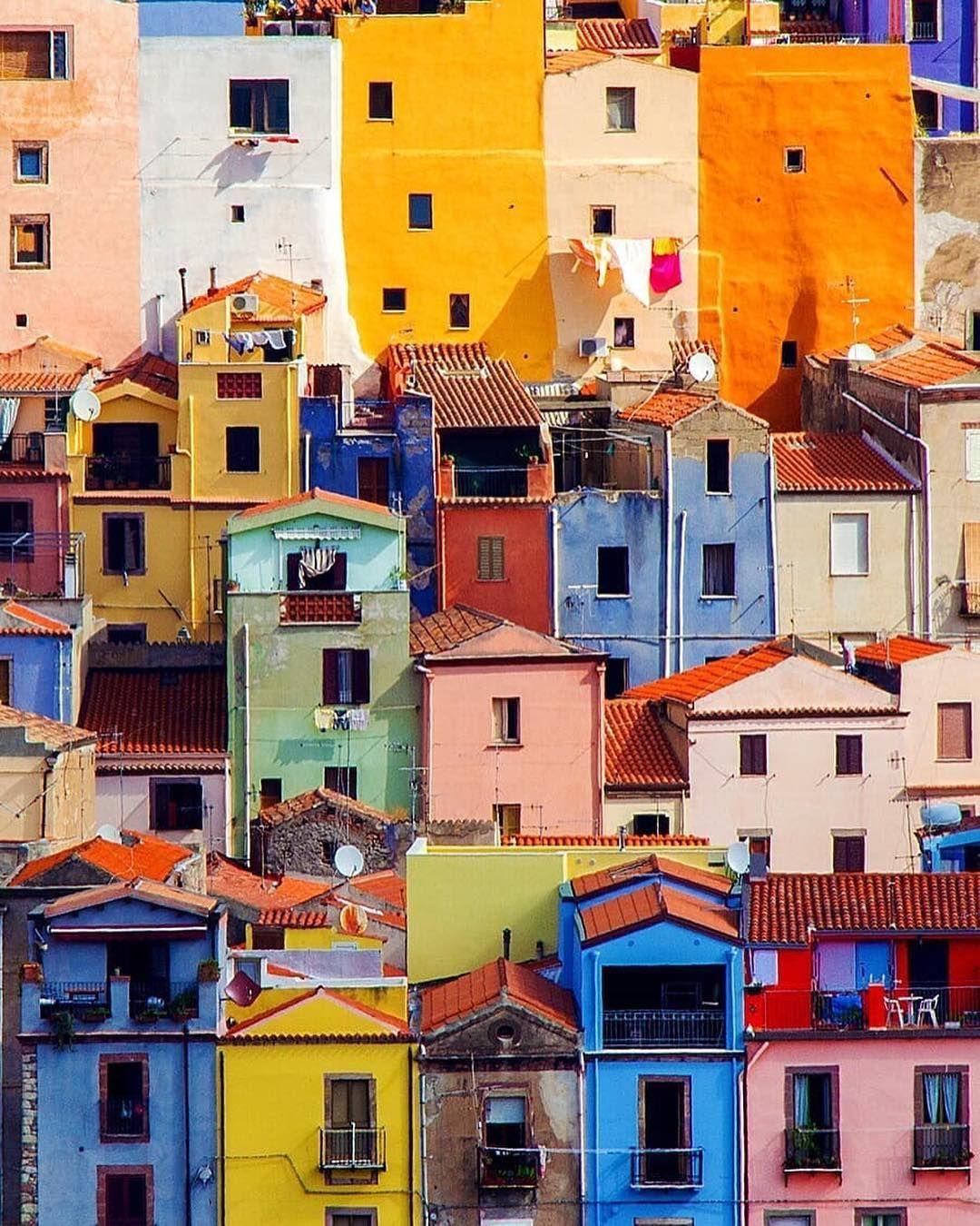 Il borgo colorato di Bosa nellla provincia di Oristano vi stupirà con i colori vivaci delle sue casette che si sviluppa…   Sardinia, Sardinia italy, Colorful places