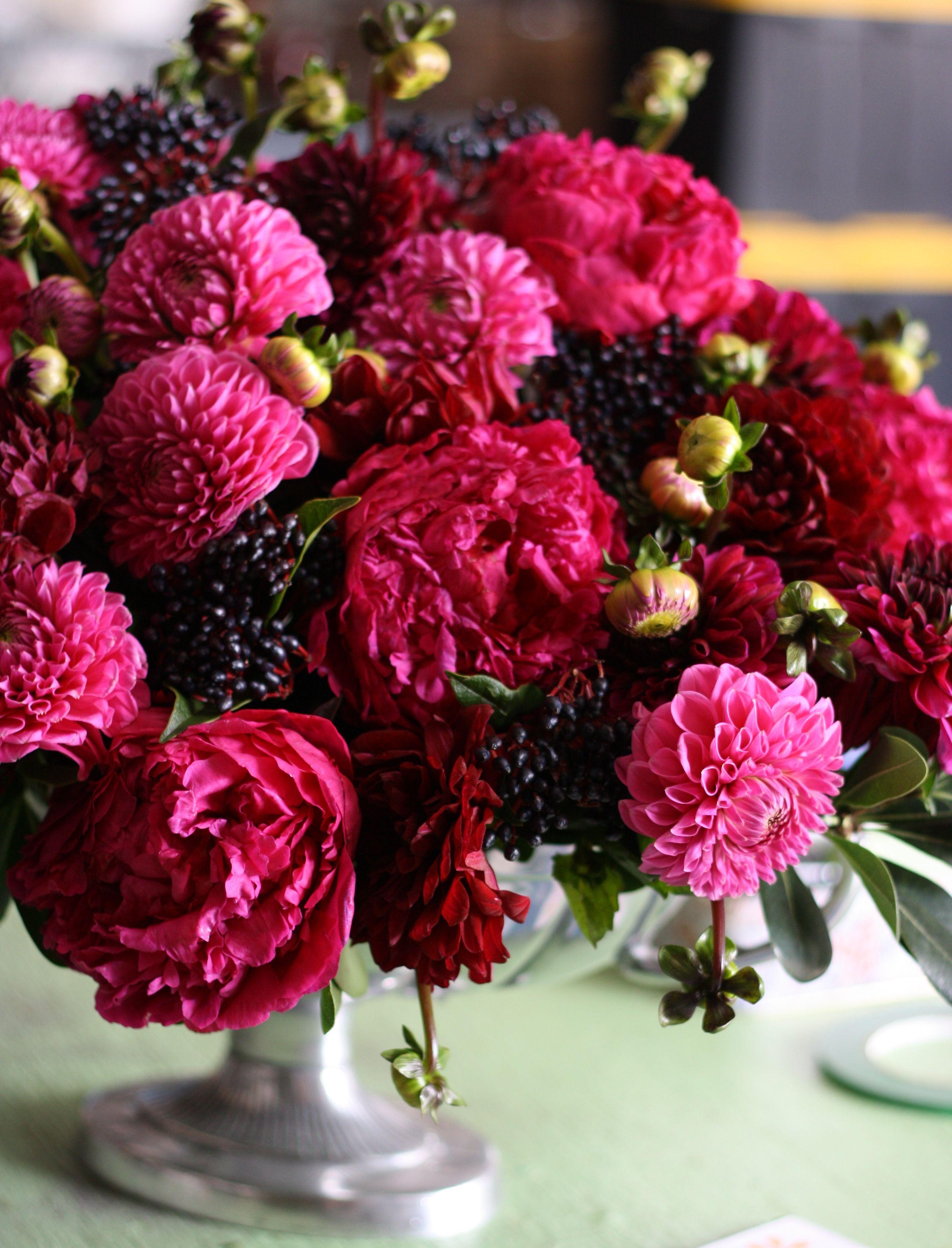 Flirty Fleurs The Florist Blog Inspiration For Floral Designers Flower Arrangements Dahlia Flower Arrangements Flower Bouquet Wedding