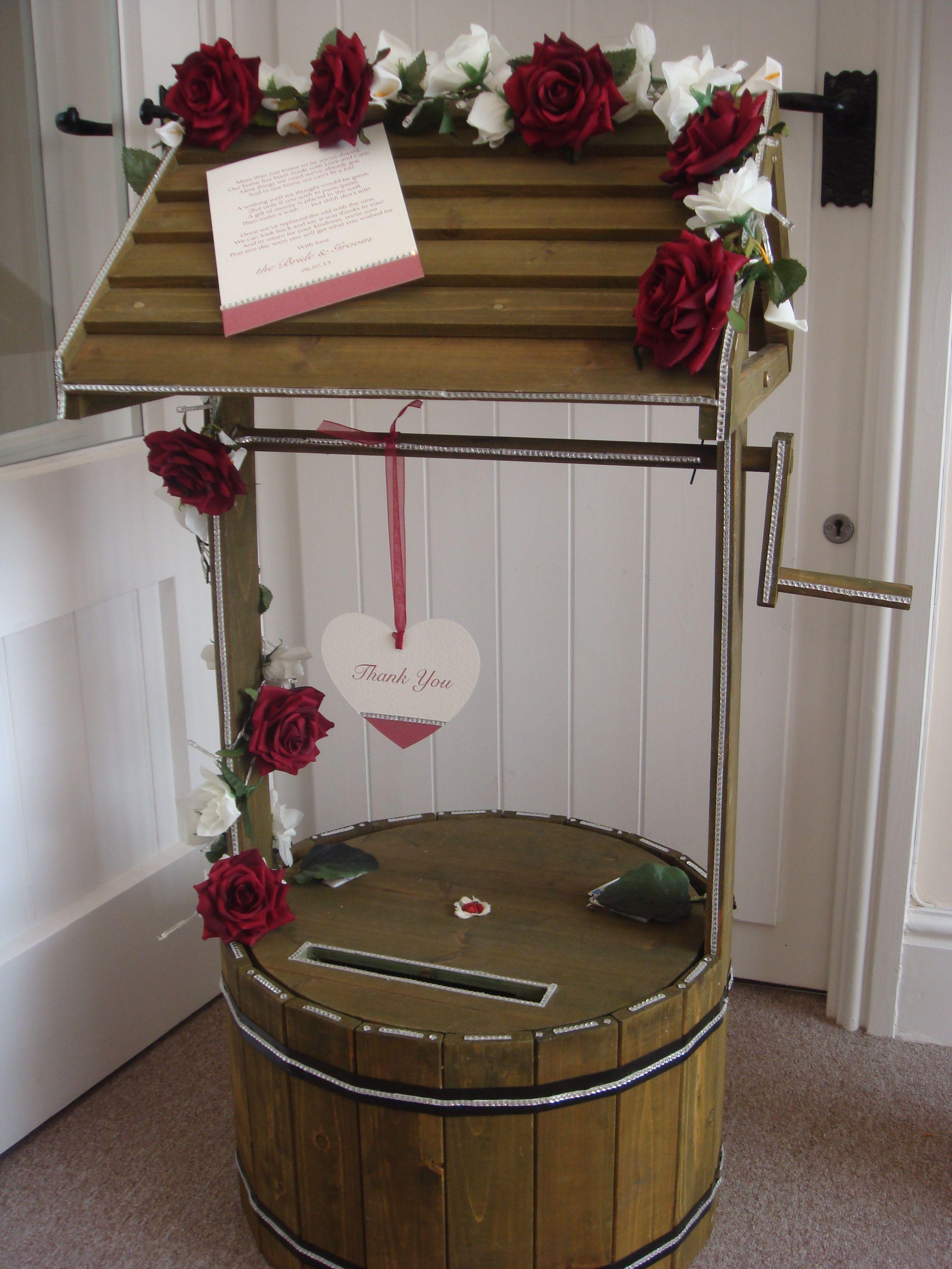 Red Rose Wishing Well Http Www Weddingmarket Co Uk