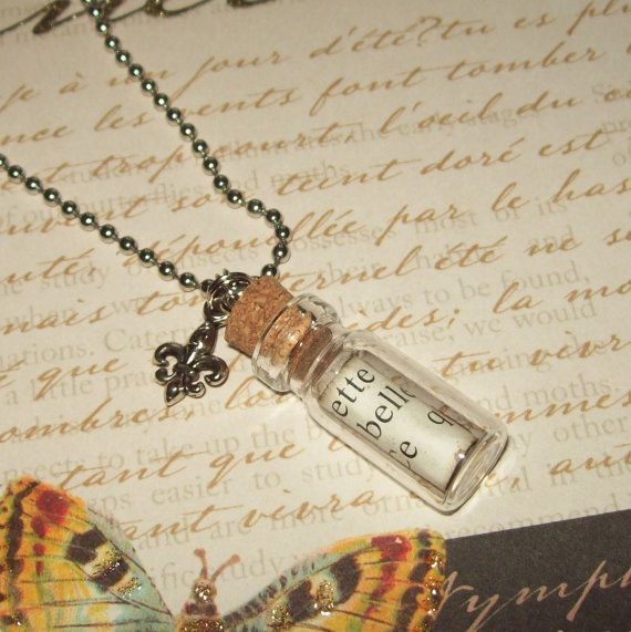 I love tiny bottles + tiny letters.  Mini message in a bottle <3