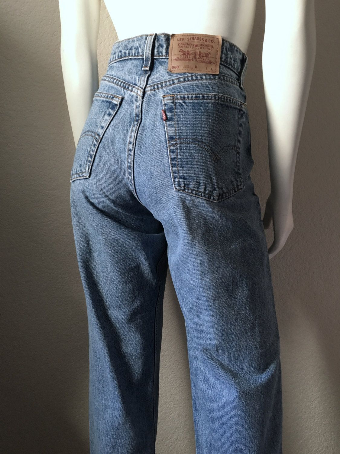 5aed4d34 Vintage Women's 90's Levi's 560, High Waisted, Jeans, Loose Fit, Straight  Leg, Denim (L) by Freshandswanky on Etsy