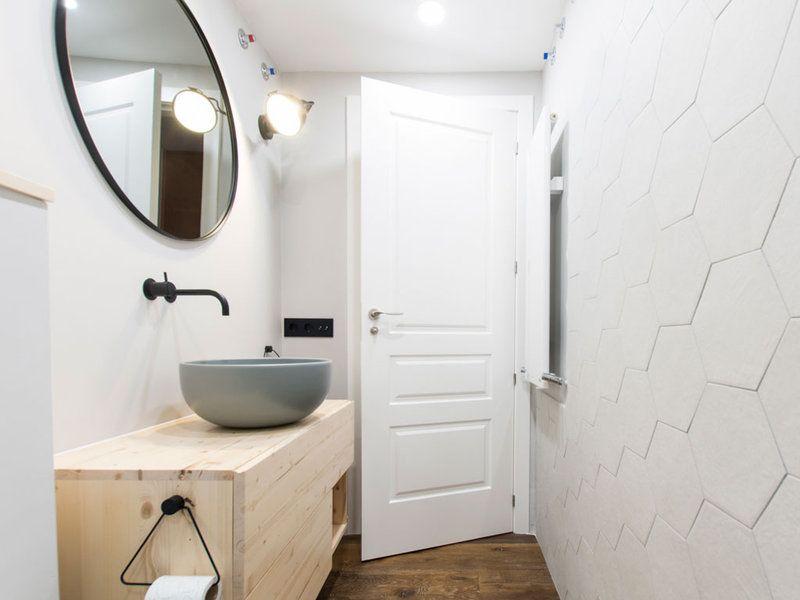 Un mini baño reformado por completo