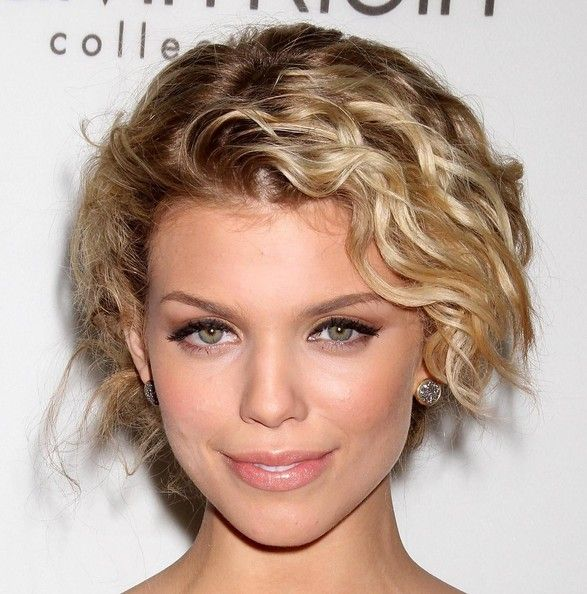 Wedding Hairstyle Ringlets: AnnaLynne McCord Pinned Up Ringlets