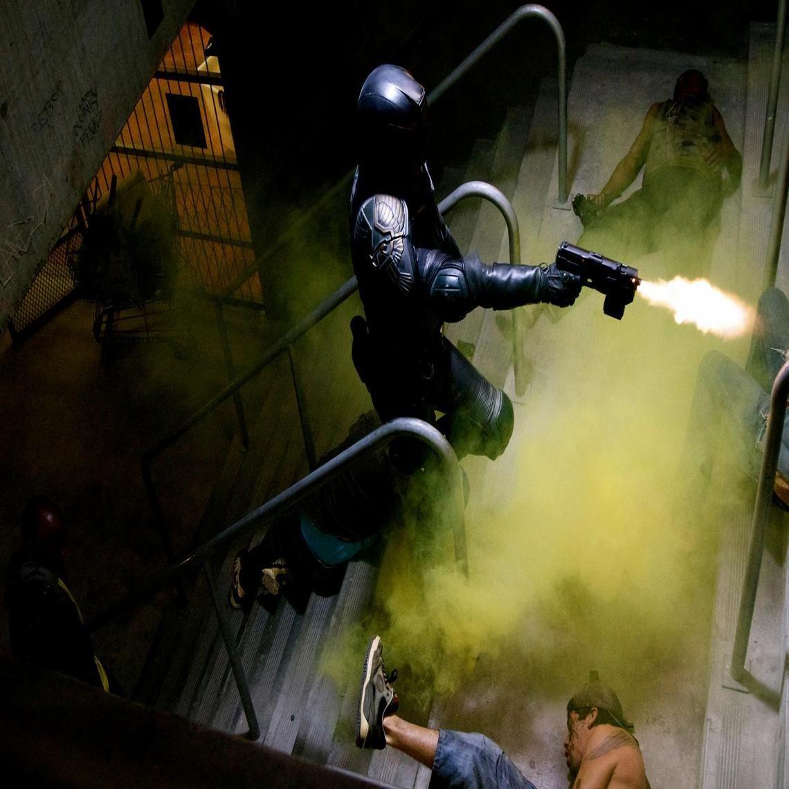 Dredd 2012, Judge Dredd, Looking Film