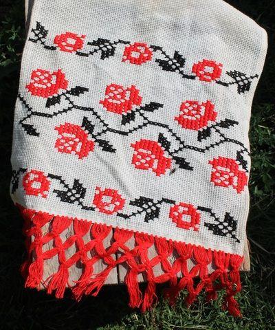 Romanian folk motif