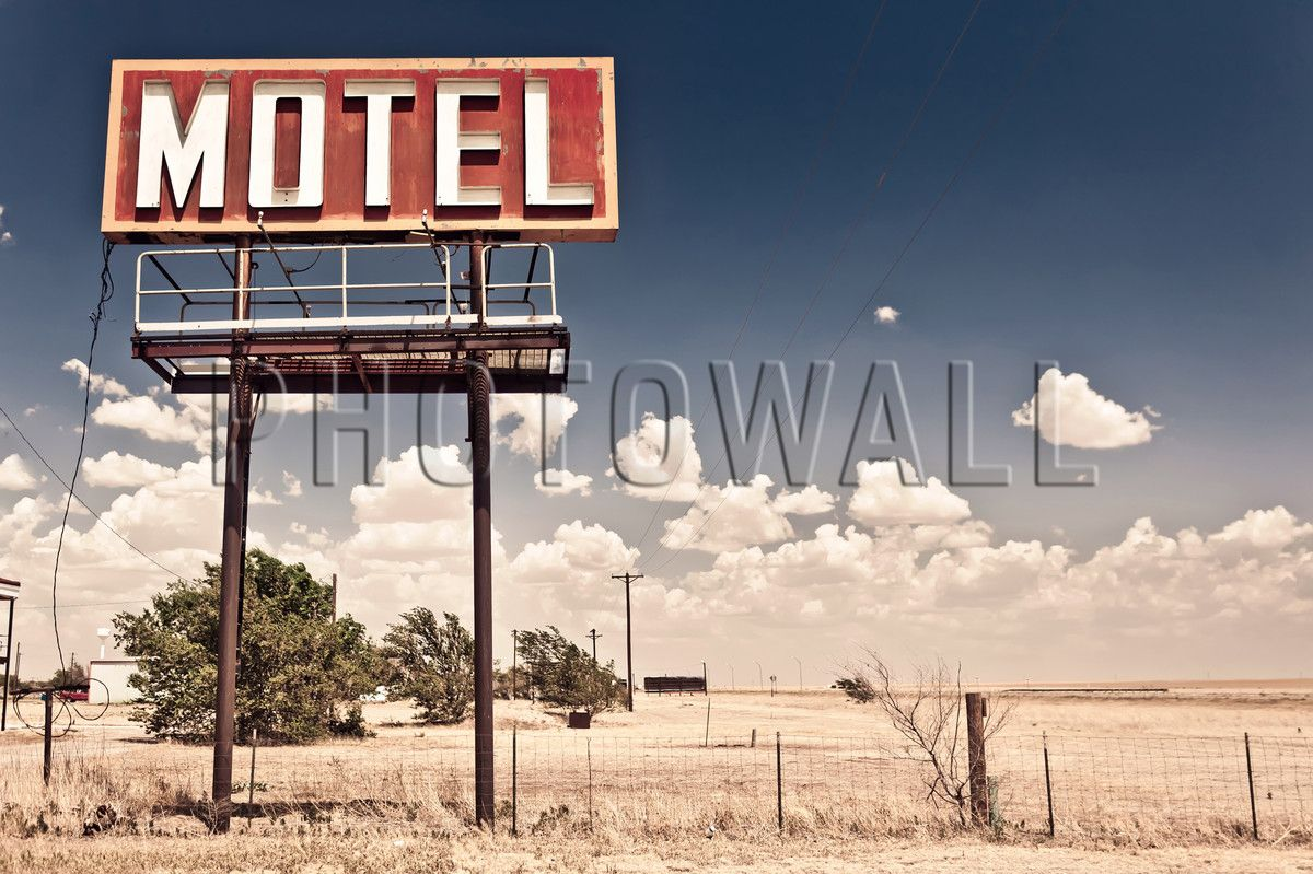 Old Motel Sign on Route 66 - Fototapeter & Tapeter - Photowall