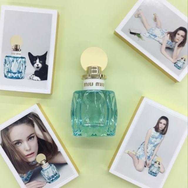 #ELLEshowroom #미우미우 두번째 향수 미우미우 로 블루를 소개합니다 은방울꽃 허니서클 노트로 상쾌하고 싱그러운 봄날의 공기 같은 향을 느낄 수 있어요 아름다운 뮤즈 #스테이시마틴 과 씬스틸러 냥이도 시선강탈 @miumiu  via ELLE KOREA MAGAZINE OFFICIAL INSTAGRAM - Fashion Campaigns  Haute Couture  Advertising  Editorial Photography  Magazine Cover Designs  Supermodels  Runway Models