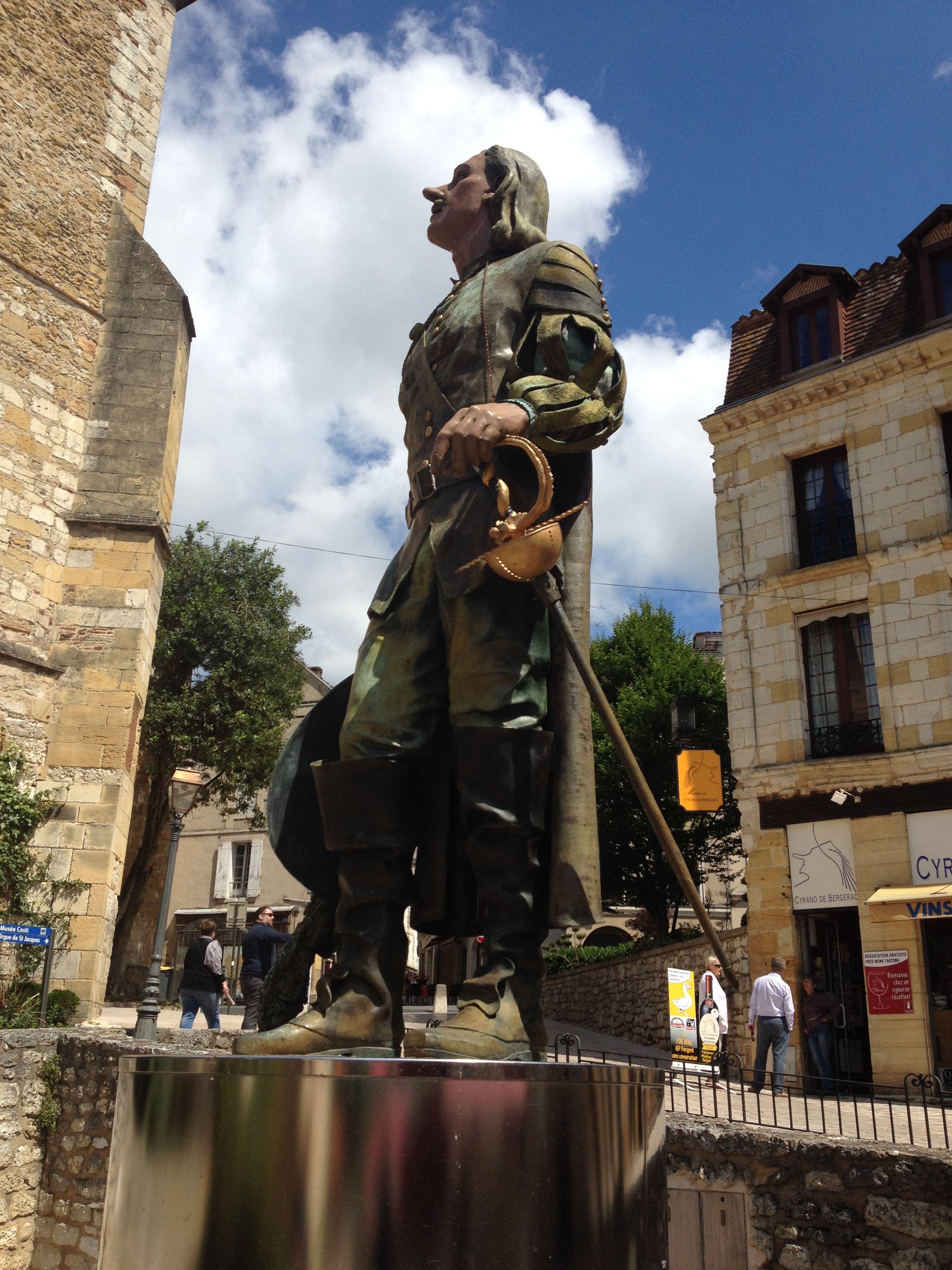 Cyrano de bergerac statue bergerac france dordogne - La douche perigueux ...