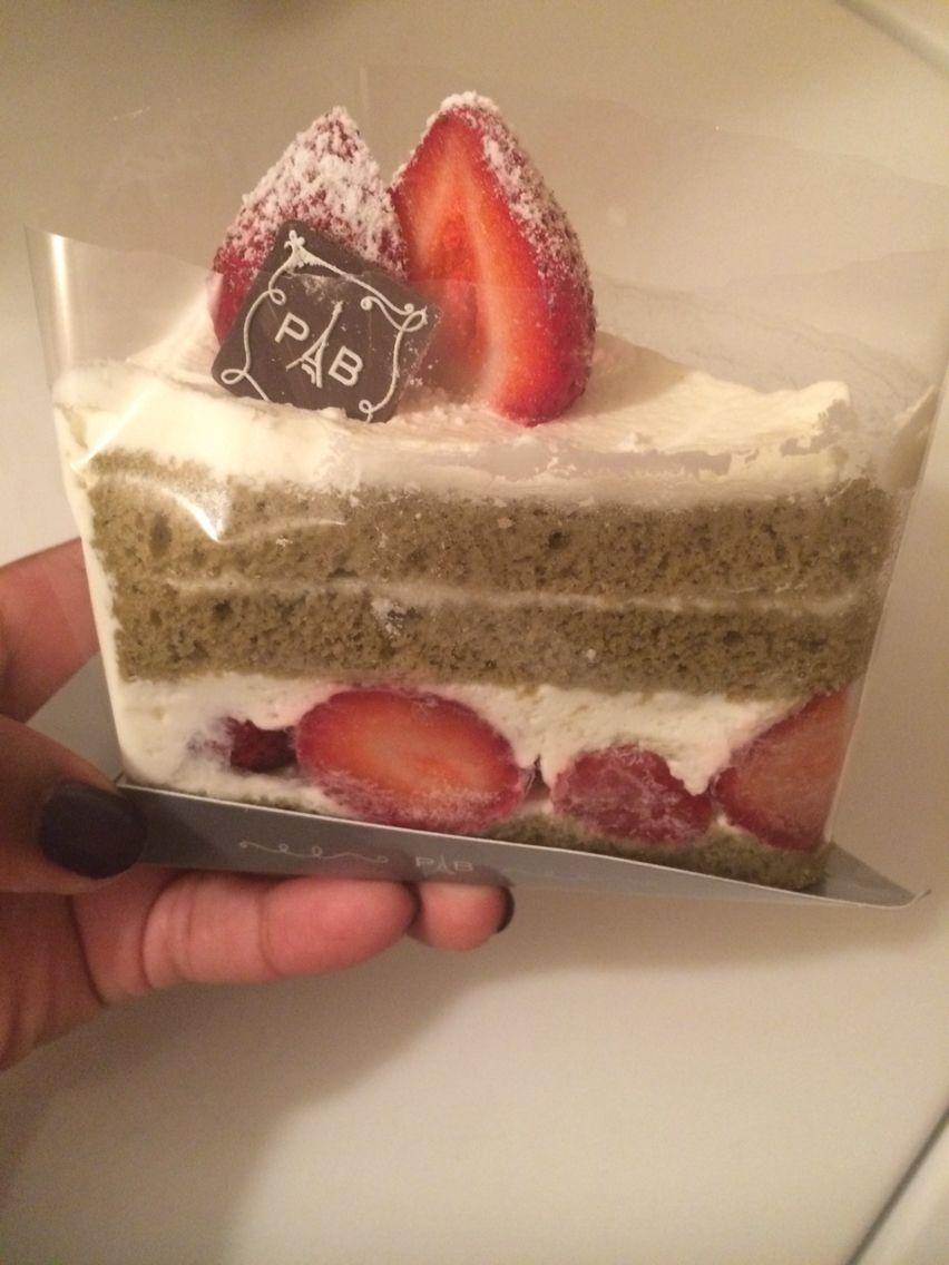 Fresh cream green tea cake from paris baguette tea