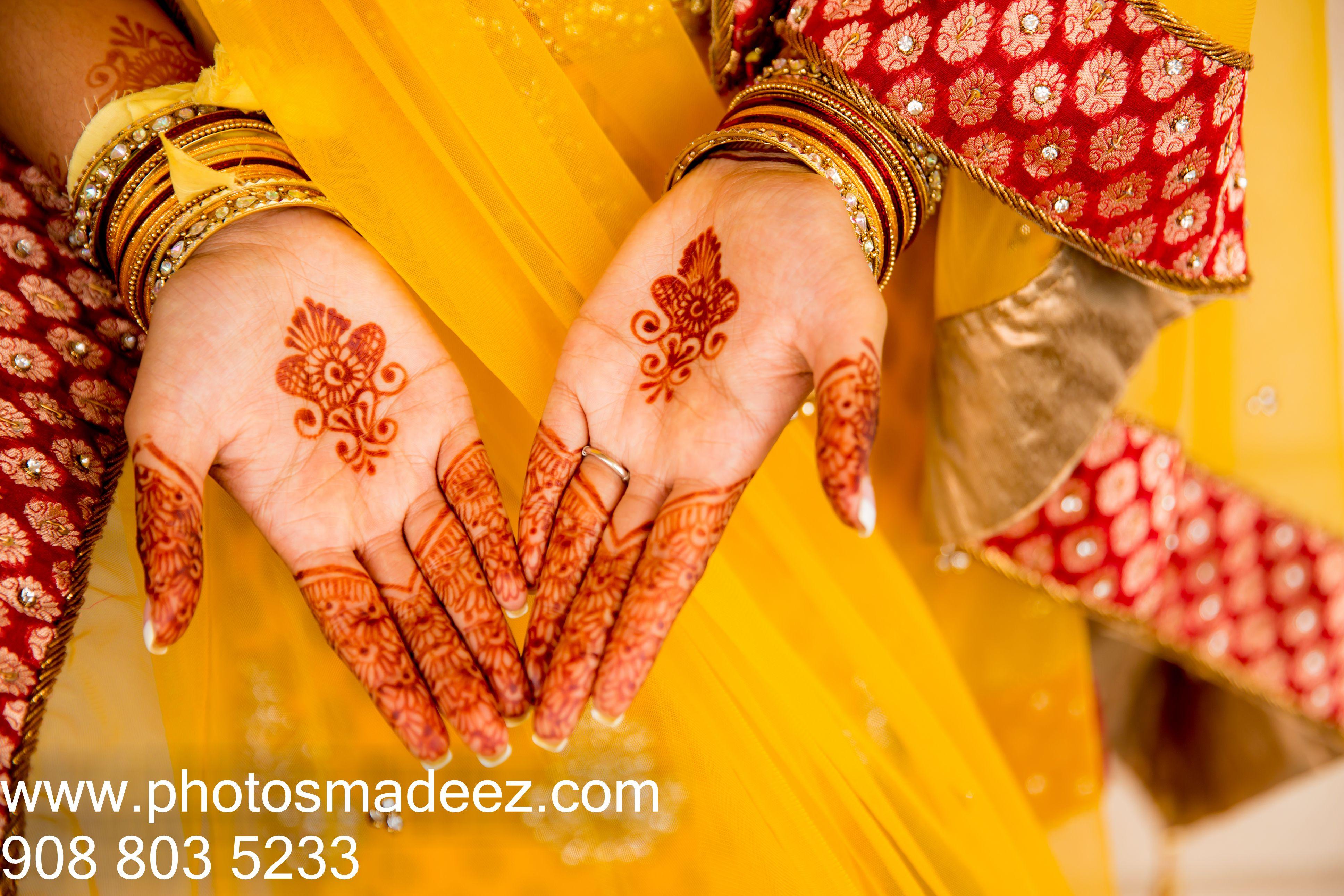 Mehndi Ceremony Zara : Bride portrait for mehndi ceremony at shree swaminarayan temple