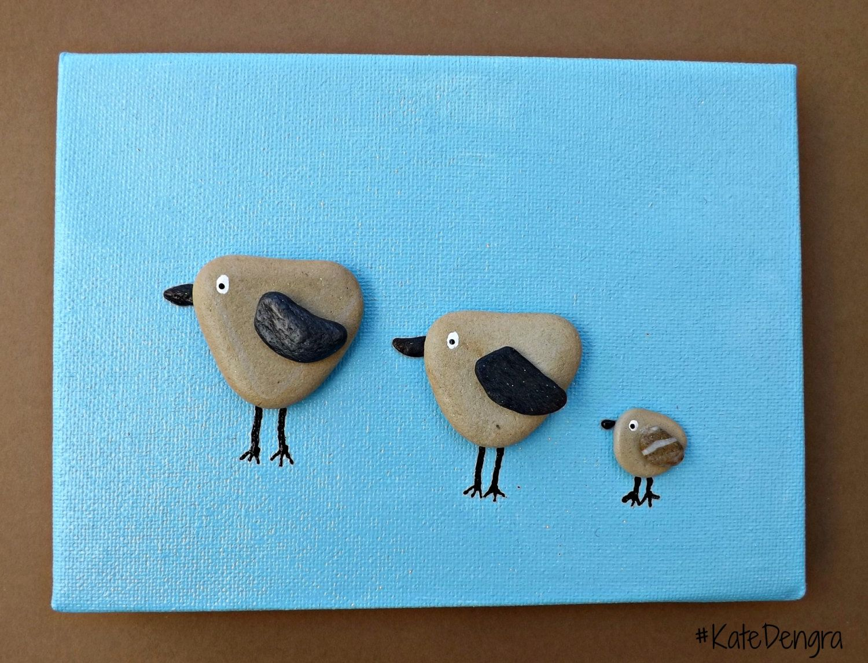 Mto 3 little birds family nursery animal stone pebble art - Manualidades con piedras de playa ...