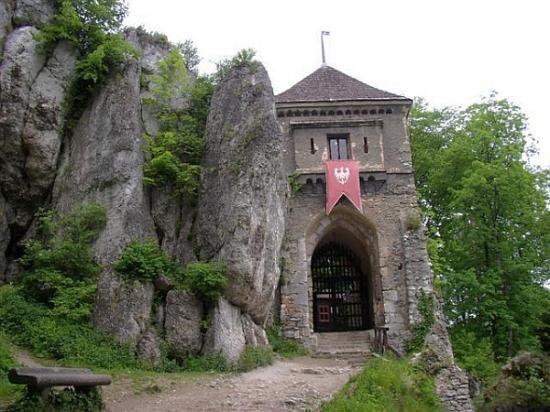 ojcowski-park-narodowy/ruiny-gotyckiego-zamku-w-ojcowie