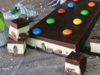 turron-de-chocolate-blanco-y-negro-con-mm