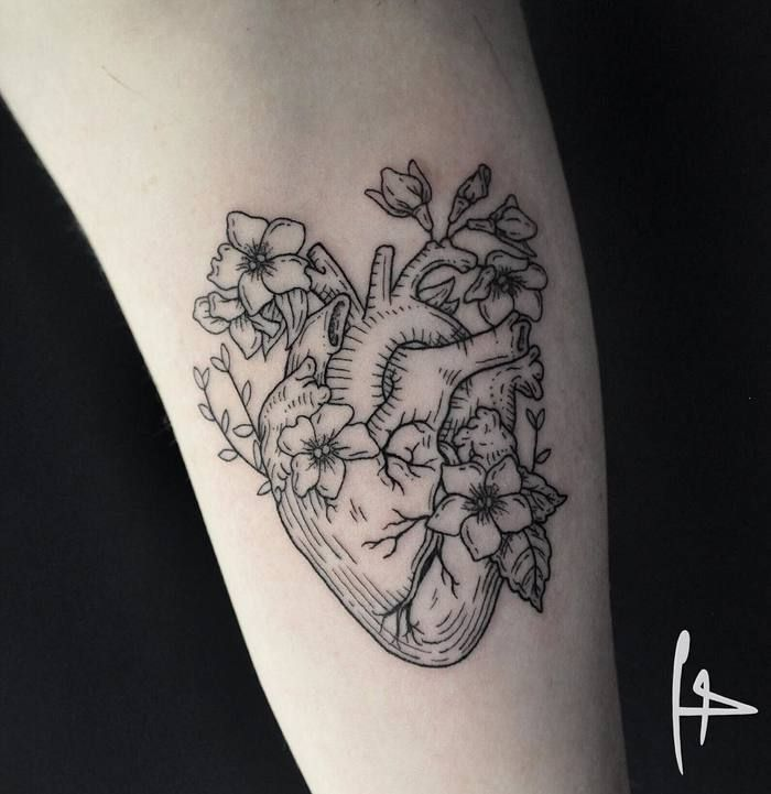 floral anatomisches herz tattoo von harry plane tattoo inspirationen pinterest tatuaje. Black Bedroom Furniture Sets. Home Design Ideas
