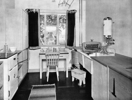 I like the confined feeling of this kitchen | 1930s-1940s ...