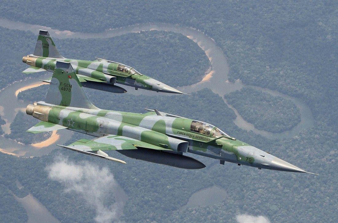 FAB F-5s.