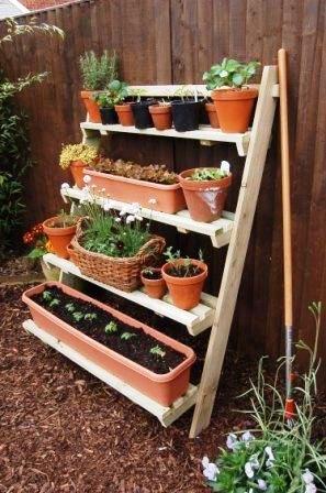 Merveilleux Leaning Pot Shelf Small Space Gardening, Small Garden Allotment, Small  Garden Planting Ideas,