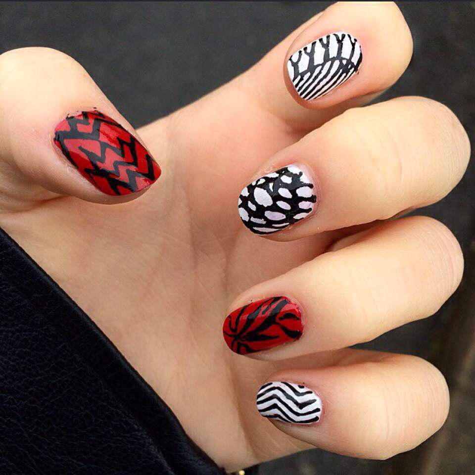 Blurryface Nails