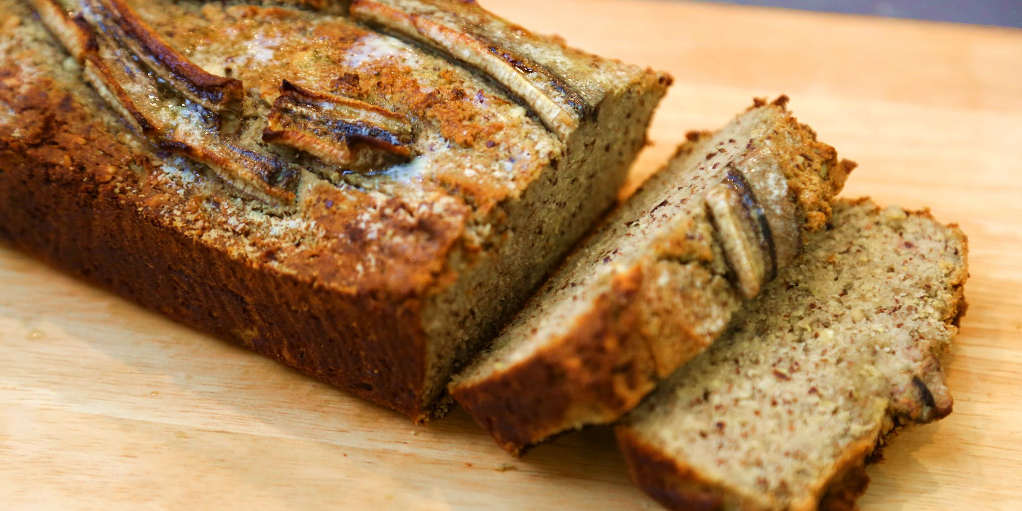 The easiest sugarfree, glutenfree banana bread you'll