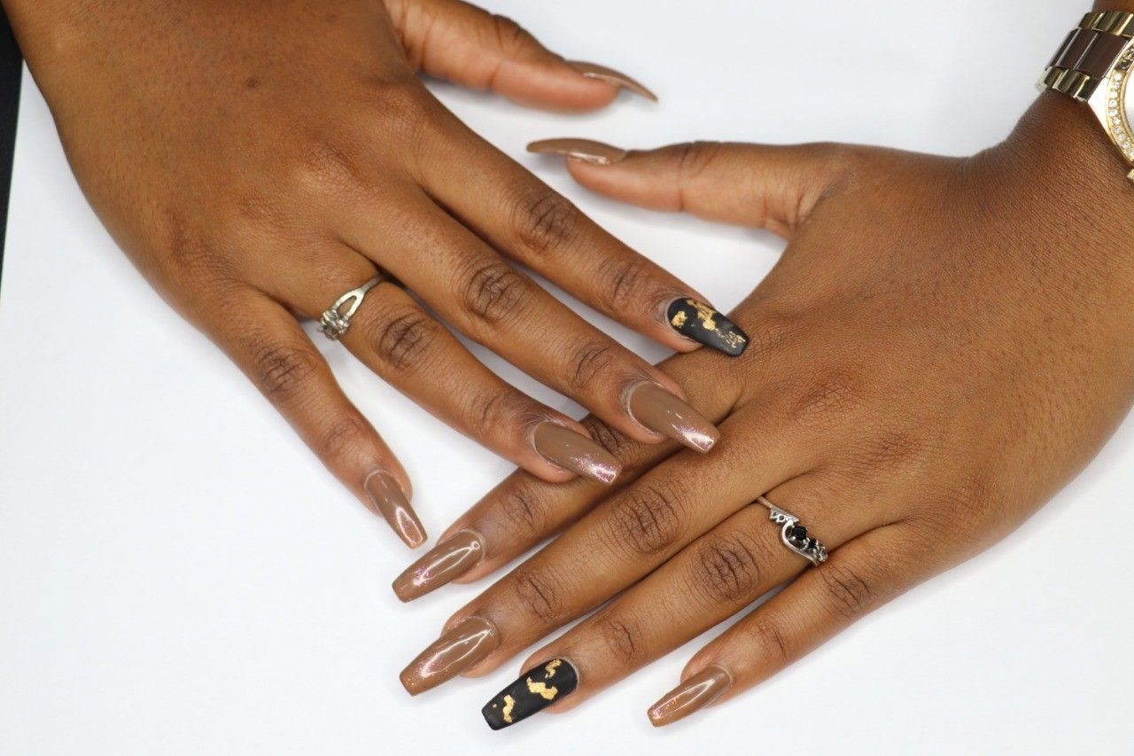 Matte Finish Nails in 2020 Chrome nail art, Nails, Nail art