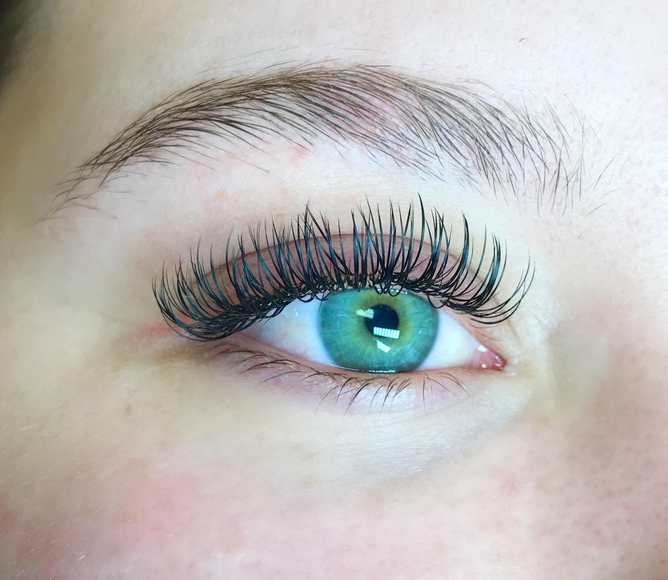 Eyelash Extension Set 85 I'm a certified Bella Lash