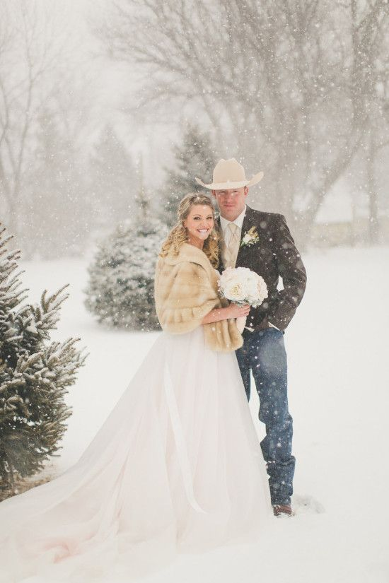 Handgemachte Brautkleider von Bridal Bliss Designs   – Diamond P Customs